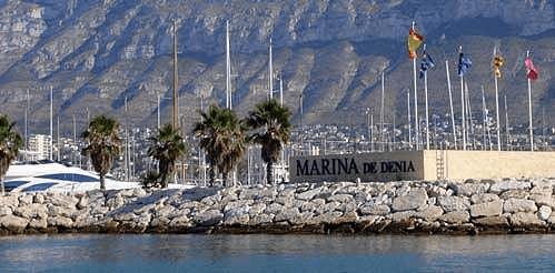 Servicios Náuticos Gasolinera Marinería Varadero Marina Denia